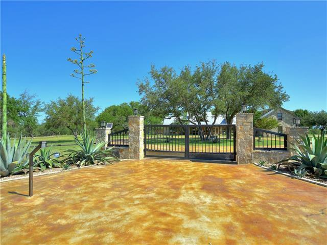 Photo of home for sale at 582 Horseshoe RD, Johnson City TX