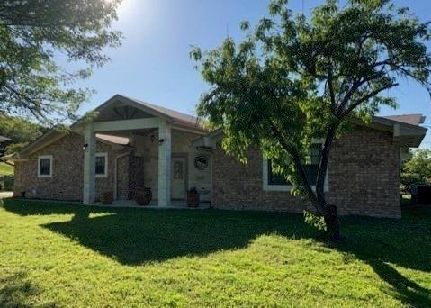 Photo of home for sale at 718 County Road 4807, Copperas Cove TX