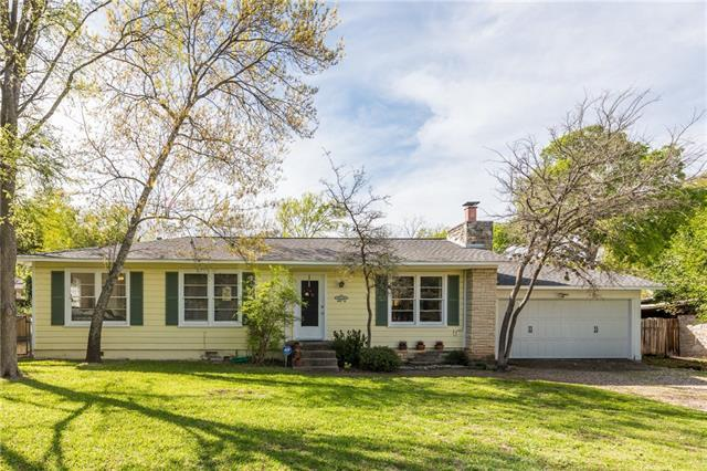 Photo of home for sale at 11506 Hunters LN, Austin TX