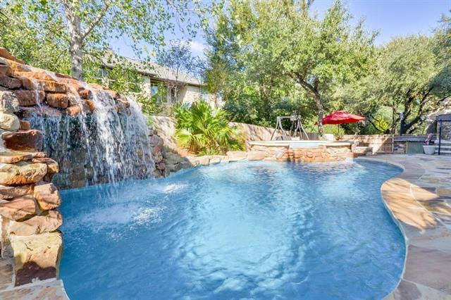 Photo of home for sale at 2422 Silent Brook TRL, Round Rock TX