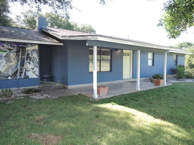 Photo of home for sale at 12419 Lowden LN, Manchaca TX
