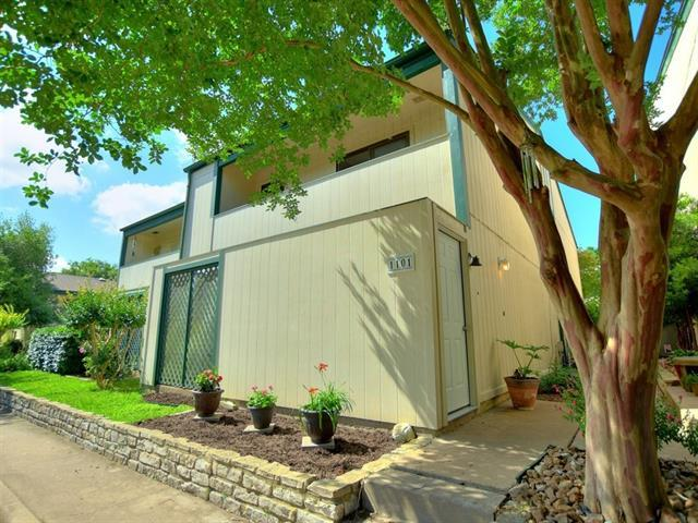 Photo of home for sale at 6718 Silvermine DR, Austin TX