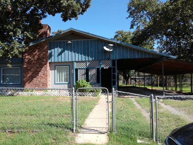 Photo of home for sale at 231 Briar DR E, Granite Shoals TX