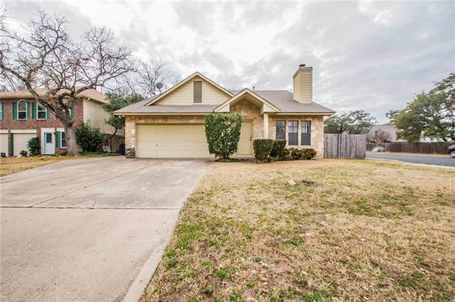 Photo of home for sale at 17512 Klamath Falls DR, Round Rock TX