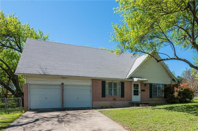 Photo of home for sale at 601 Long Bow LN, Austin TX