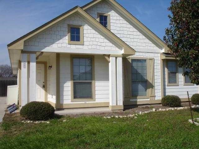Photo of home for sale at 4504 Belfield LN, Austin TX