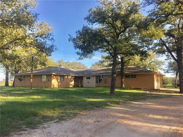 Photo of home for sale at 1093 County Road 205, Giddings TX