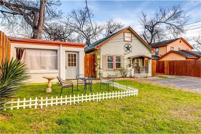 Photo of home for sale at 4705 Harmon AVE, Austin TX