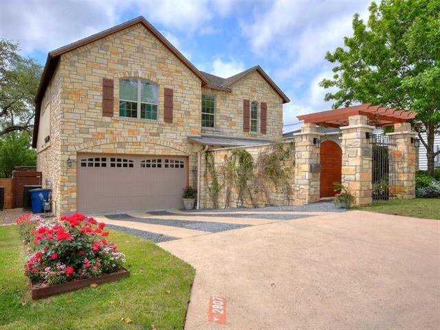 Photo of home for sale at 2807 Warren ST, Austin TX