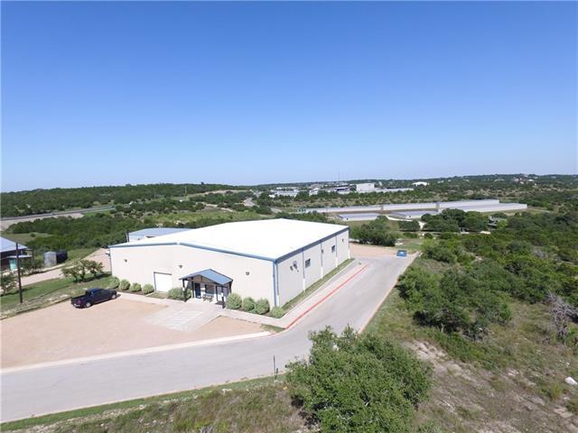 Photo of home for sale at 295 Frog Pond LN, Dripping Springs TX