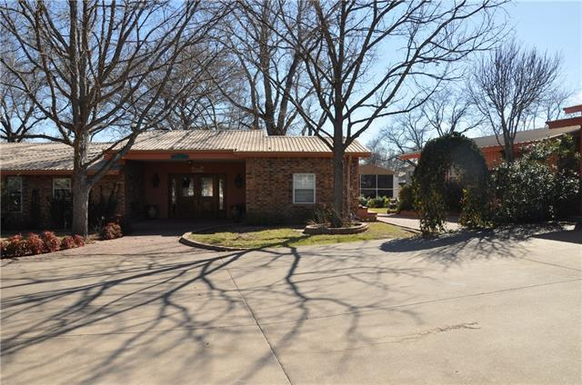 Photo of home for sale at 1726 Williams Lakeshore, Kingsland TX