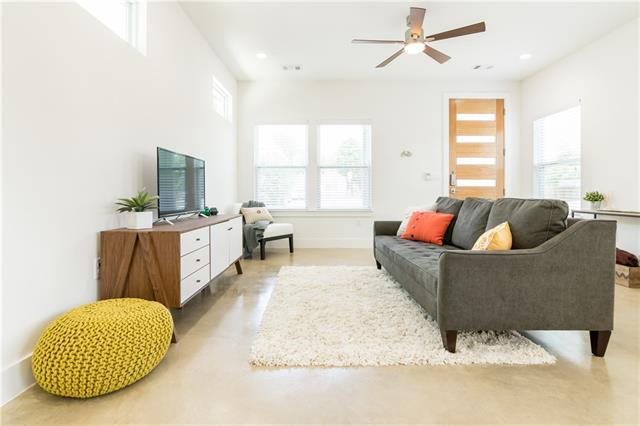 Photo of home for sale at 3723 Munson ST, Austin TX